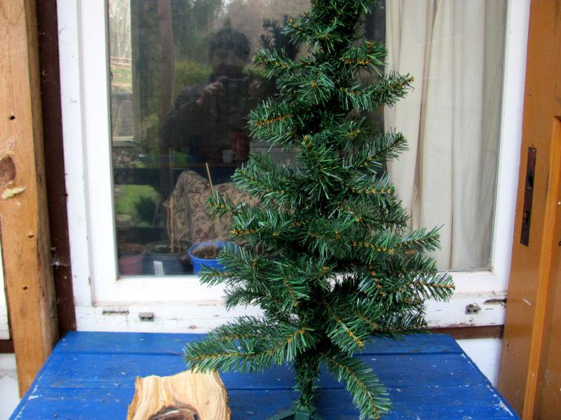 wie reinigt man einen k nstlichen weihnachtsbaum. Black Bedroom Furniture Sets. Home Design Ideas
