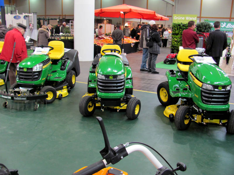 Gartenmesse Rasenmäher Traktor